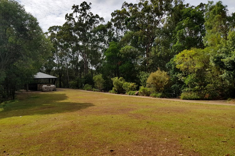 The picnic area at Glass House Mountains lookout