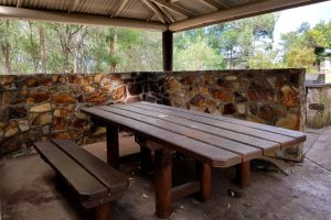 Picnic shelter at Glass House Mountains lookout
